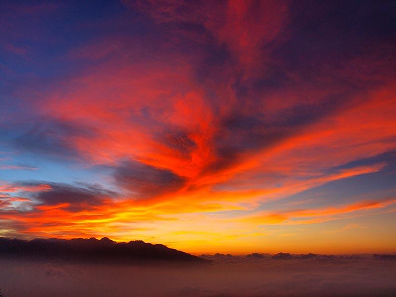 八ヶ岳連峰と夕焼け