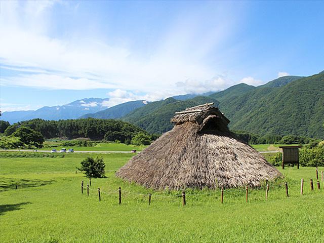 南アルプスと井戸尻遺跡(富士見町)