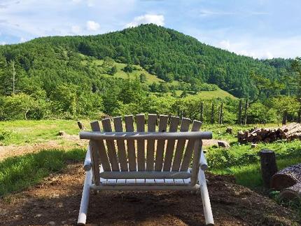 入笠山を一望出来る展望椅子