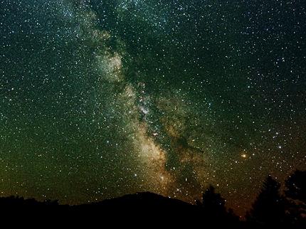 いて座の銀河(天文台のバルコニーよりポータブル赤道儀TOASTにて撮影(露出3分30秒))