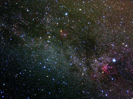 秋の銀河(天文台のバルコニーよりポータブル赤道儀TOASTにて撮影(露出3分30秒))