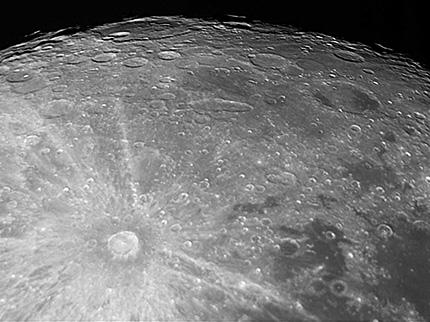 月面(TOA-130NSで撮影)