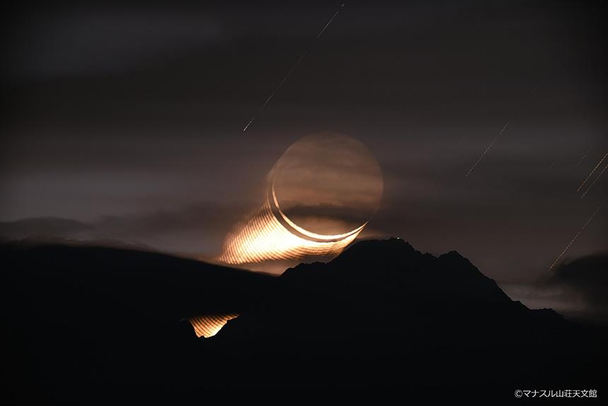 【天体写真】赤岳から昇る針の月