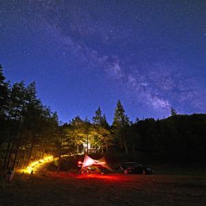 キャンプ場と天の川
